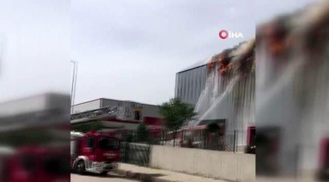 Medikal fabrikasındaki yangın kontrol altına alındı