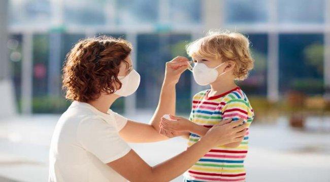 Covid-19 testi pozitif çıkan çocuğa aileler nasıl davranmalı?