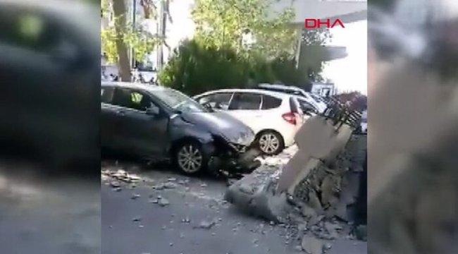 Depremin ardından viyadük kolonları araçların üzerine düştü